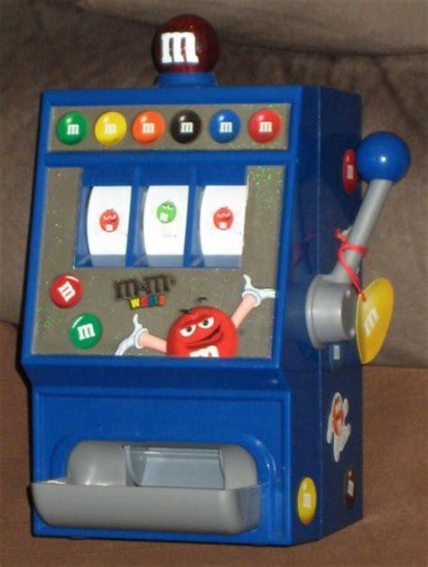 sold mms world slot machine candy dispenser red green