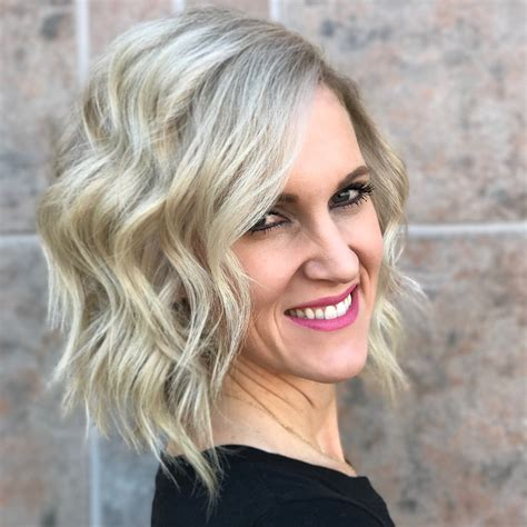 10 wavy haircuts for medium length hair 2018 color me