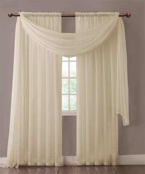 Beige And White Curtains 25 Best Ideas About Beige Curtains On Pinterest Color Block Curtains Beige Blinds And Beige