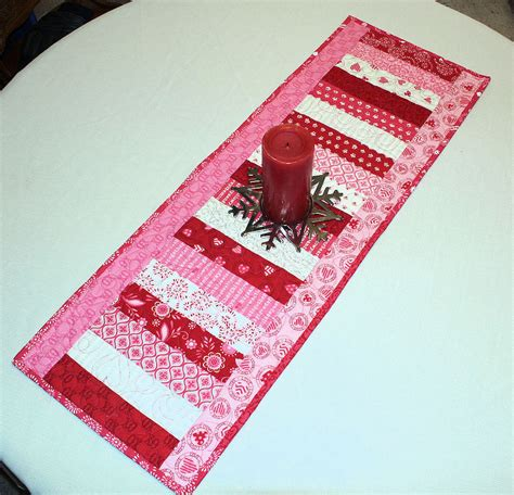 valentines day table runner valentines day table runner quilt surrounded by moda