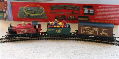 hornby santa s express train set hornbysantasexpress