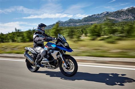 Motorrad Bmw 1200 Gs by 2017 Bmw R1200gs Gets Upgrades And A Rallye
