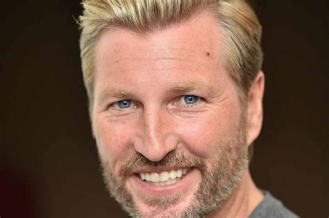 sevarge haircut robbie savage torn apart on twitter for his commentary