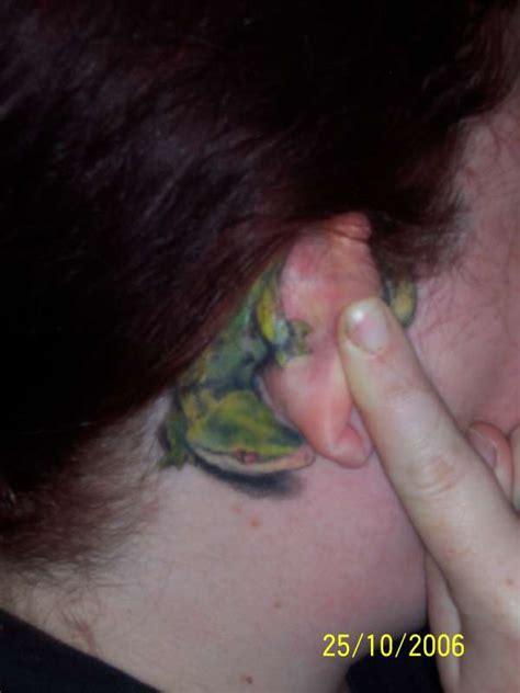gecko tattoo behind ear ear tattoo images designs