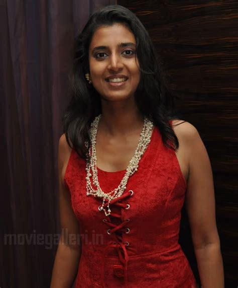 tamil hot actress wiki tamil actress kasthuri hot stills kasthuri photo gallery
