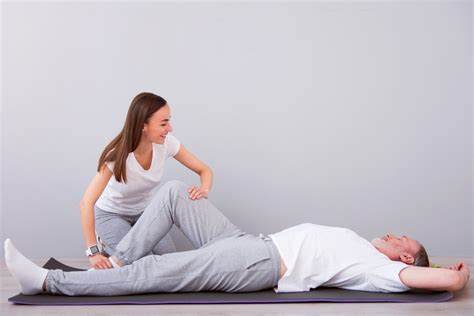 4 questions to ask your physical therapist during injury recovery
