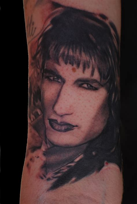 twin peaks tattoo of david duchovny from peaks this