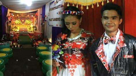Baju Daur Ulang Dari Bungkus Kopi meme comic indonesia artikel pernikahan dengan konsep daur ulang bajunya dari bungkus kopi