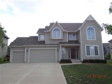 houses for sale olathe 16186 s brookfield st olathe kansas 66062 foreclosed home information foreclosure