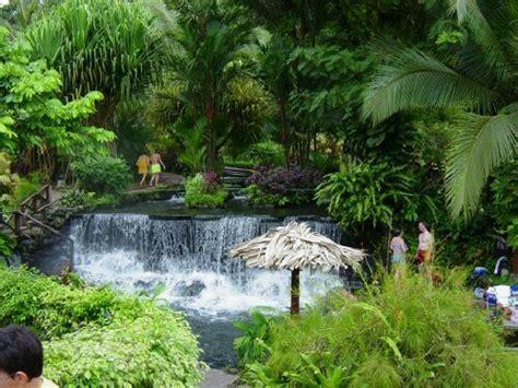 Honeymoon Destination: Costa Rica   Arabia Weddings