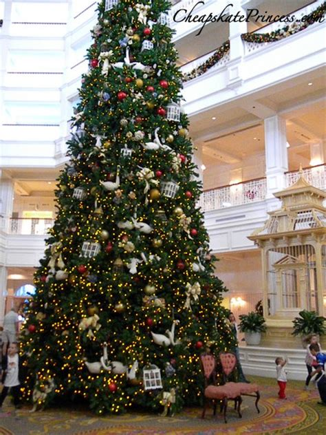 grand floridian christmas tree 30 free activities at disney s grand floridian resort a cheapskate princess guide disney s