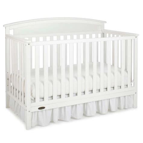 Graco White Convertible Crib Graco Benton 5 In 1 Convertible Crib In White 04530 211