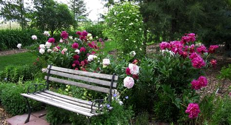 flower bench two men and a little farm inspiration thursday garden