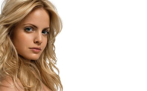 Mena Suvari Pictures by Mena Suvari Wallpapers 9