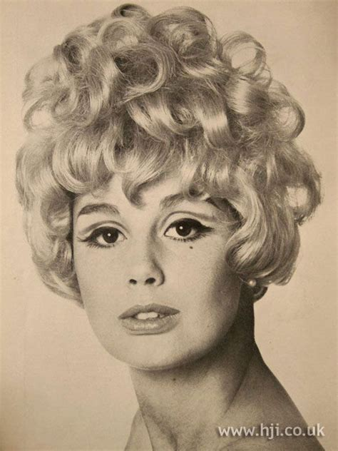 facts about 1960s hairstyles 5 facts about 1960 hairstyles the bigger the better