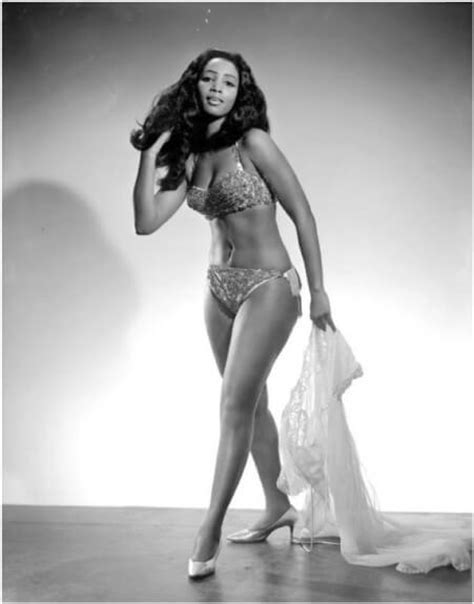 1960s female model a look into the past 20 photos of vintage burlesque dancers