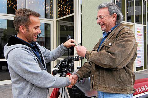 Motorrad Versicherung Wer Darf Fahren by Probefahrt Mit Dem Motorrad Wer Haftet Bei Einem Unfall