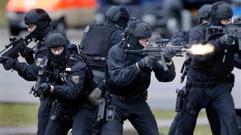 Bewerbung Bundeswehr Brandenburg Die Bfe Im Einsatz Gegen Terroristen Und Organisierte Kriminalit 228 T Menify M 228 Nnermagazin