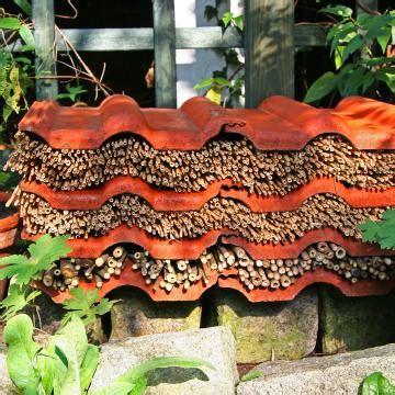 Garten Gestalten Mit Dachziegeln by Insektenhotel N 252 Tzlingshotel Bauanleitung Und Tipps