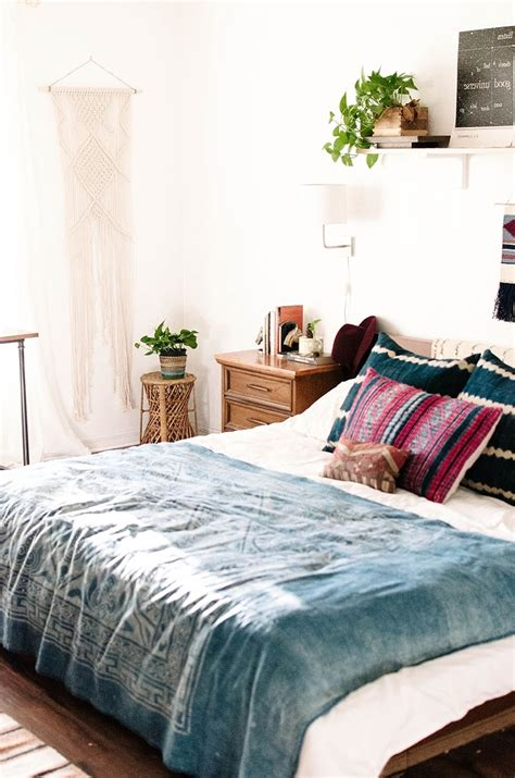 Bedroom cozy bohemian bedroom design using white and blue blanket also cushions combine with