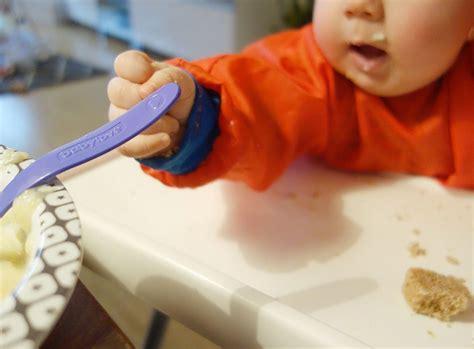 wann mit brei anfangen baby b r eikost und blw kombinieren das isst unser baby