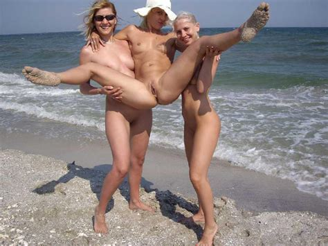 Swingers In Gallery Nude Swinger Couples At Beach Picture Uploaded By Nbrj On