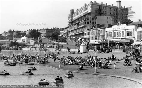 new england boat show hotels photo of southend on sea the boating lake and pier hill c