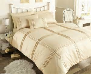 King Size Duvet Cover Beige Changingbedrooms King Size Beige Sequin Trim Chic