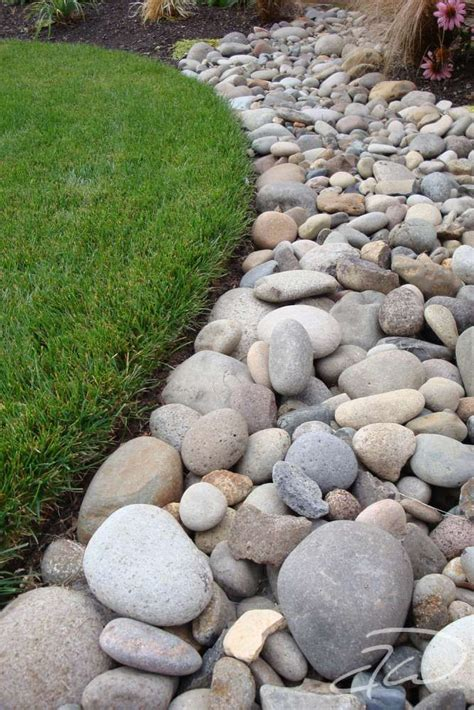 Rocks In Garden Best 25 River Rock Landscaping Ideas On Rock Flower Beds Diy Landscaping Rocks And