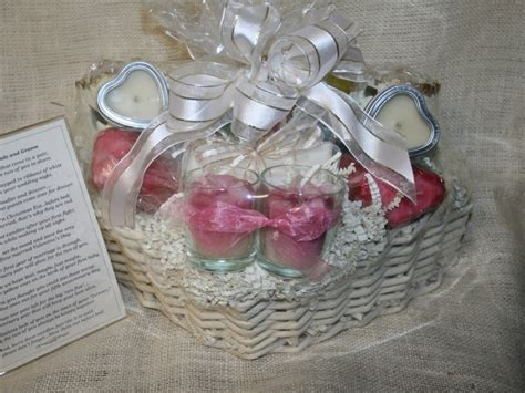 bridal shower gift basket prize ideas creative bridal shower basket ideas for wedding