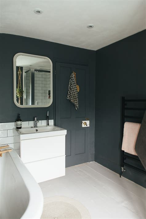 bathroom dark choosing a light or dark bathroom colour scheme for a small space