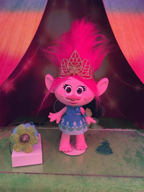 dreamworks trolls poppy lends a hugs book books 17 best images about trolls on coloring books