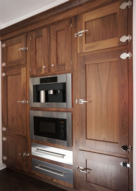 walnut shaker kitchen cabinets luxury walnut shaker kitchen cabinets greenvirals style