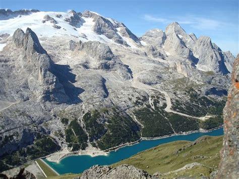 alta via 2 dolomitas ascenso a la marmolada marmolada e lago fedaia foto di alta via delle dolomiti