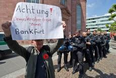 consolato italiano francoforte blockupy 45 italiani fermati a francoforte photostory