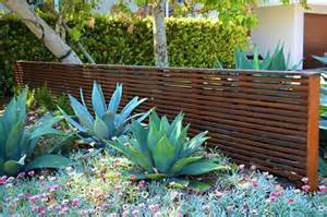 fence landscaping pictures and ideas