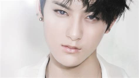 biography of exo tao exo tao updates his weibo i miss the past but i m