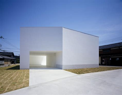 white homes white cave house by takuro yamamoto architects