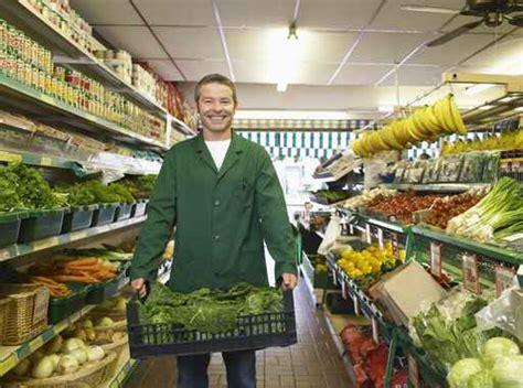 grande distribuzione alimentare lavorare nei supermercati nel periodo natalizio si assume