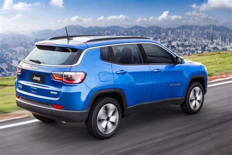 jeep compass limited blue new jeep compass pictures auto express
