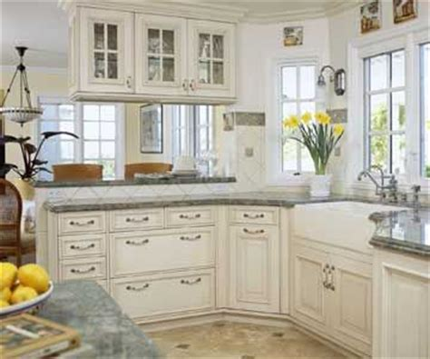 Two Sided Kitchen Cabinets by 17 Best Images About Glass Cabinets On
