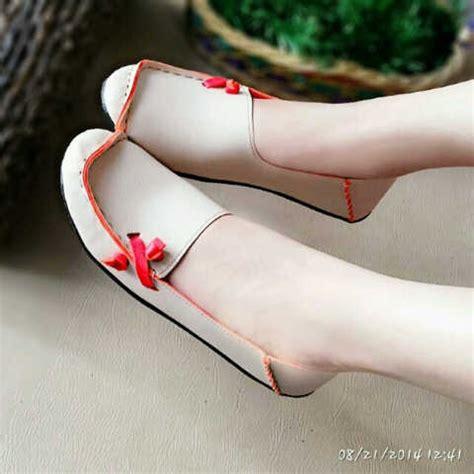 Ready Delmora flat shoes murah us49 pusat sandal murah 2018