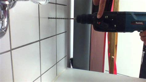 tutorial loch in fliesen bohren steinbohrer benutzen
