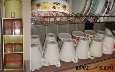 Rak Dapur Atas rumah comel kami dapur tanpa kabinet