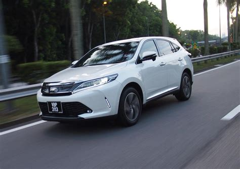 toyota now toyota harrier now carries a 8 10 month waiting list