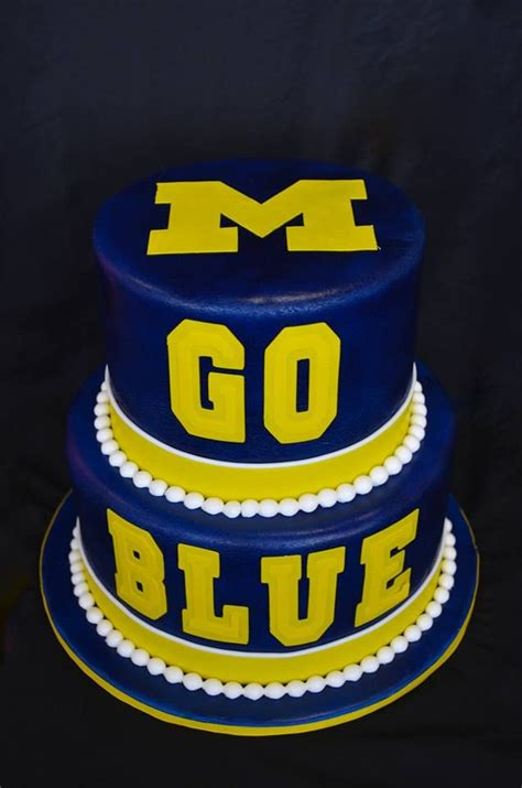 u of m fan michigan wolverines football cake ideas and designs