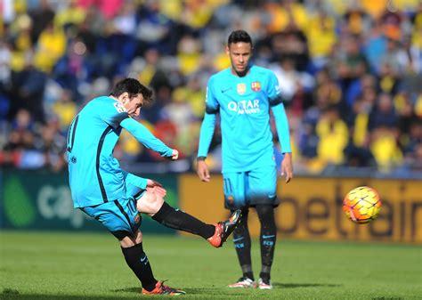 barcelona vs las palmas ud las palmas v fc barcelona la liga zimbio