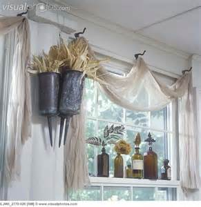 Unique Window Treatments 25 Best Ideas About Scarf Valance On Window