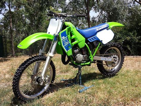 spray painting dirt bike plastics kawasaki green frame paint school moto motocross
