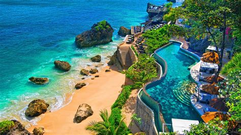 relaxing holiday  amazing destinations    east